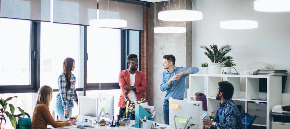 Die Vor- und Nachteile der Arbeit in einer Agentur